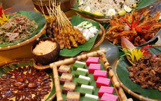 15 Makanan Khas Malaysia yang Terkenal & Wajib Dicoba