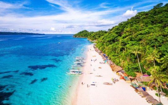 10 Pantai Cantik di Filipina yang Terkenal