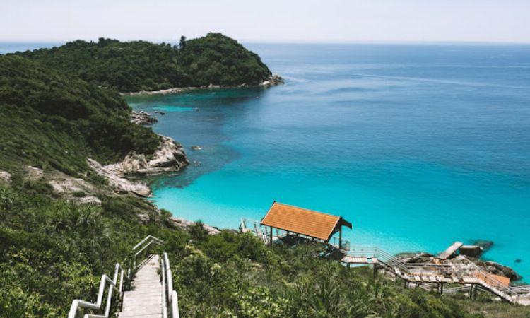 Pantai Kepulauan Perhatian