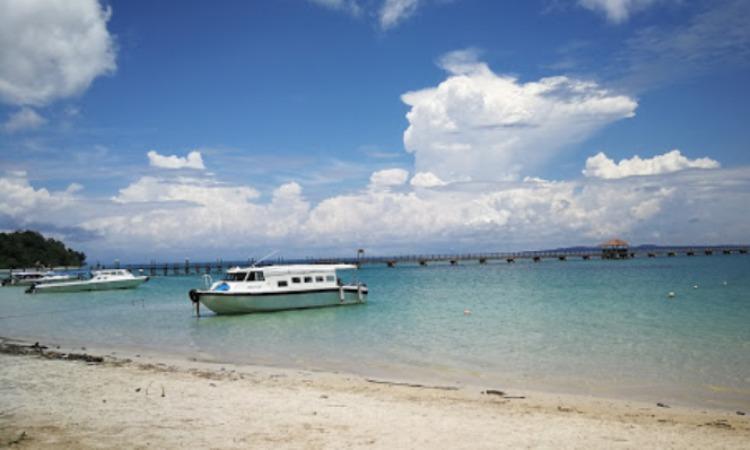 Pantai Pulau Tiga