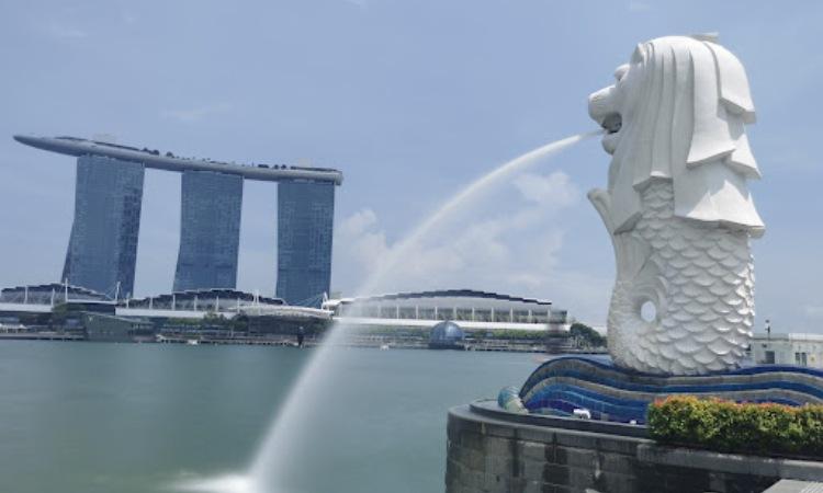 Patung Merlion Sebagai Lambang Singapura